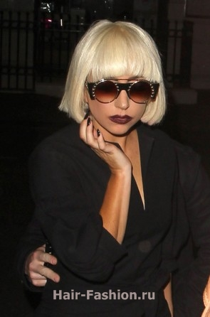 Lady-Gaga-Bob-Hairstyle1-20101218-144448