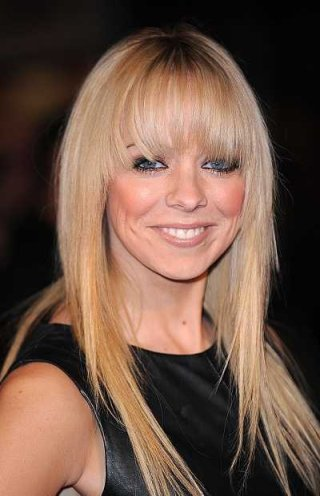liz-mclarnon-long-blonde-straight-hairstyle-with-bangs